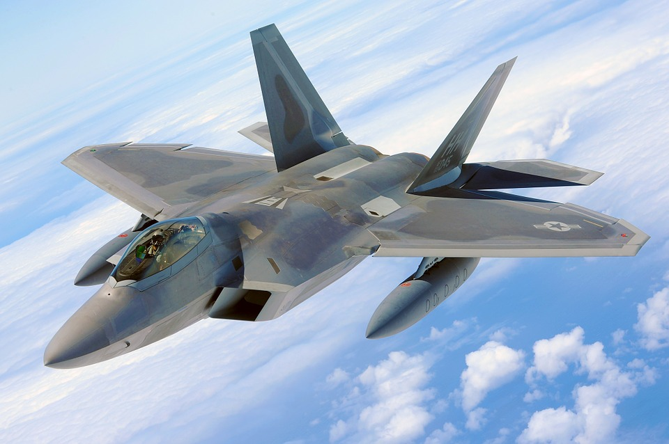 military-raptor-582888_960_720